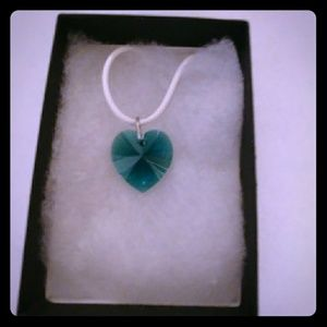 Jewelry - Vivid Green Crystal Heart Necklace